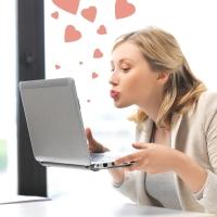 Παντρεμένη έκλεισε ραντεβού από το Ίντερνετ για one night stand με τον... σύζυγο!
