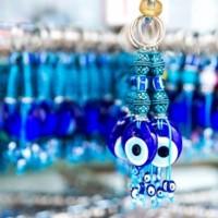 «Κακό Μάτι»: Αυτή είναι η προσευχή που λένε από μέσα τους οι καλές ξεματιάστρες